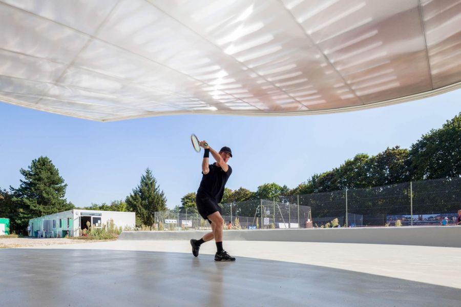 Club de tennis à Strasbourg - Arch. Paul Le Quernec - Photo : 11h45
