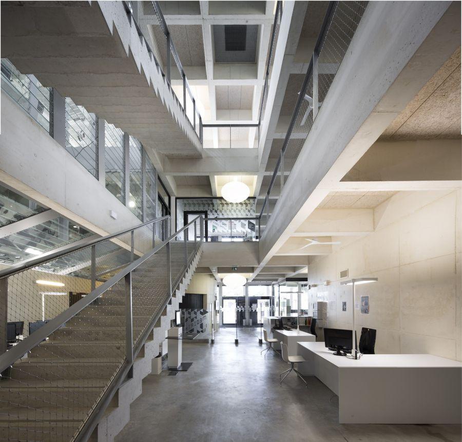 Médiathèque Montaigne à Frontignan - Arch. Tautem - Photo : Didier Boy de la Tour