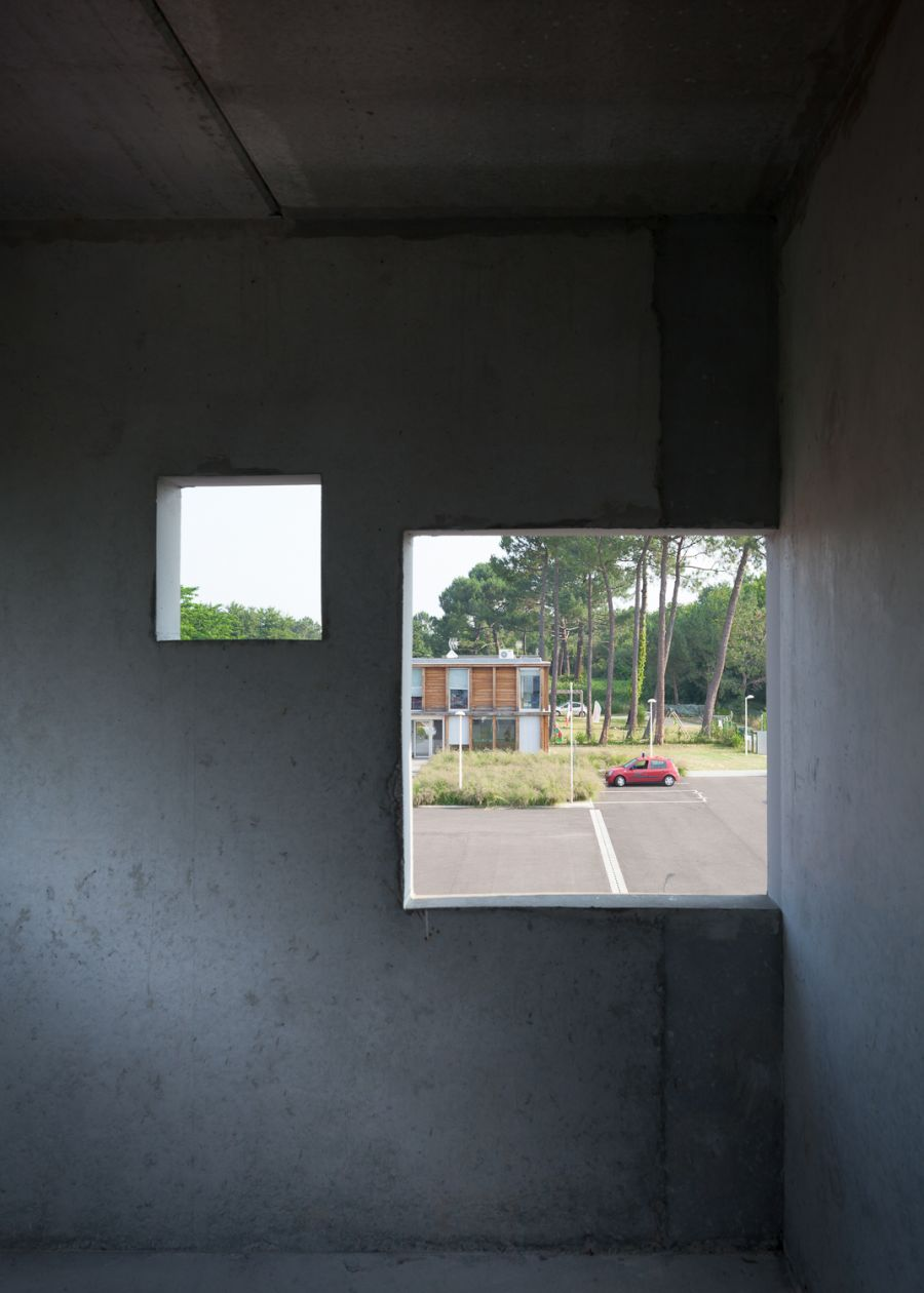 Centre de Secours de Biscarosse - Arch. Martin Duplantier - Photo : Yohan Zerdoun