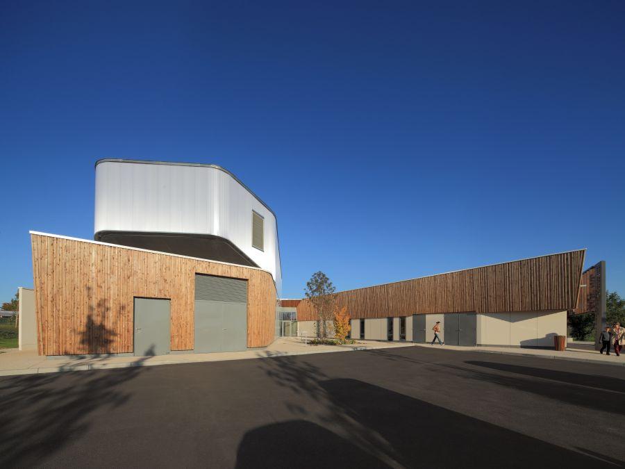 Médiathèque et école de musique à Ouzouer sur loire - Arch. Ivars & Ballet - Photo © Ivars & Ballet