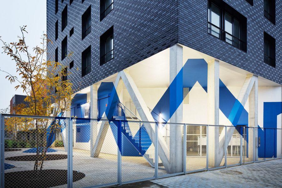 Immeuble de logement à Ivry - Arch. Atelier du Pont - Photos : Takuji Shimmura