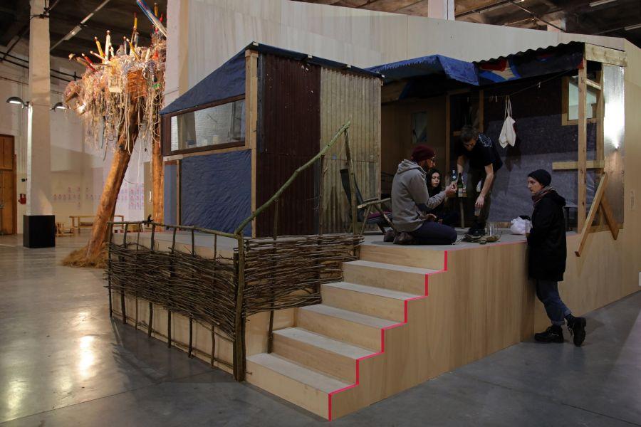 La Cagna, de Laurent Tixador - Exposition Habitarium, à la Condition Publique - Photo : Maxime Dufour