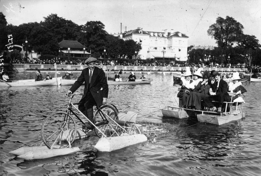Concours de cycles nautiques sur le lac d'Enghien 1914 - Source : gallica.bnf.fr / Bibliothèque nationale de France