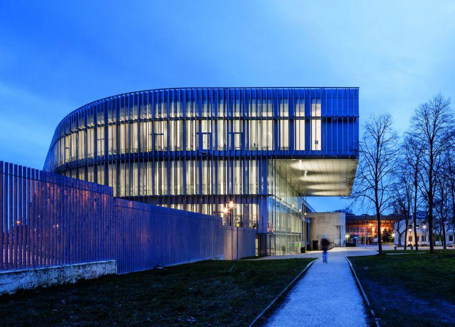 Librairie universitaire Edgar Morin - Arch. ROPA & Associés Architectes - Photo : Luc Boegly