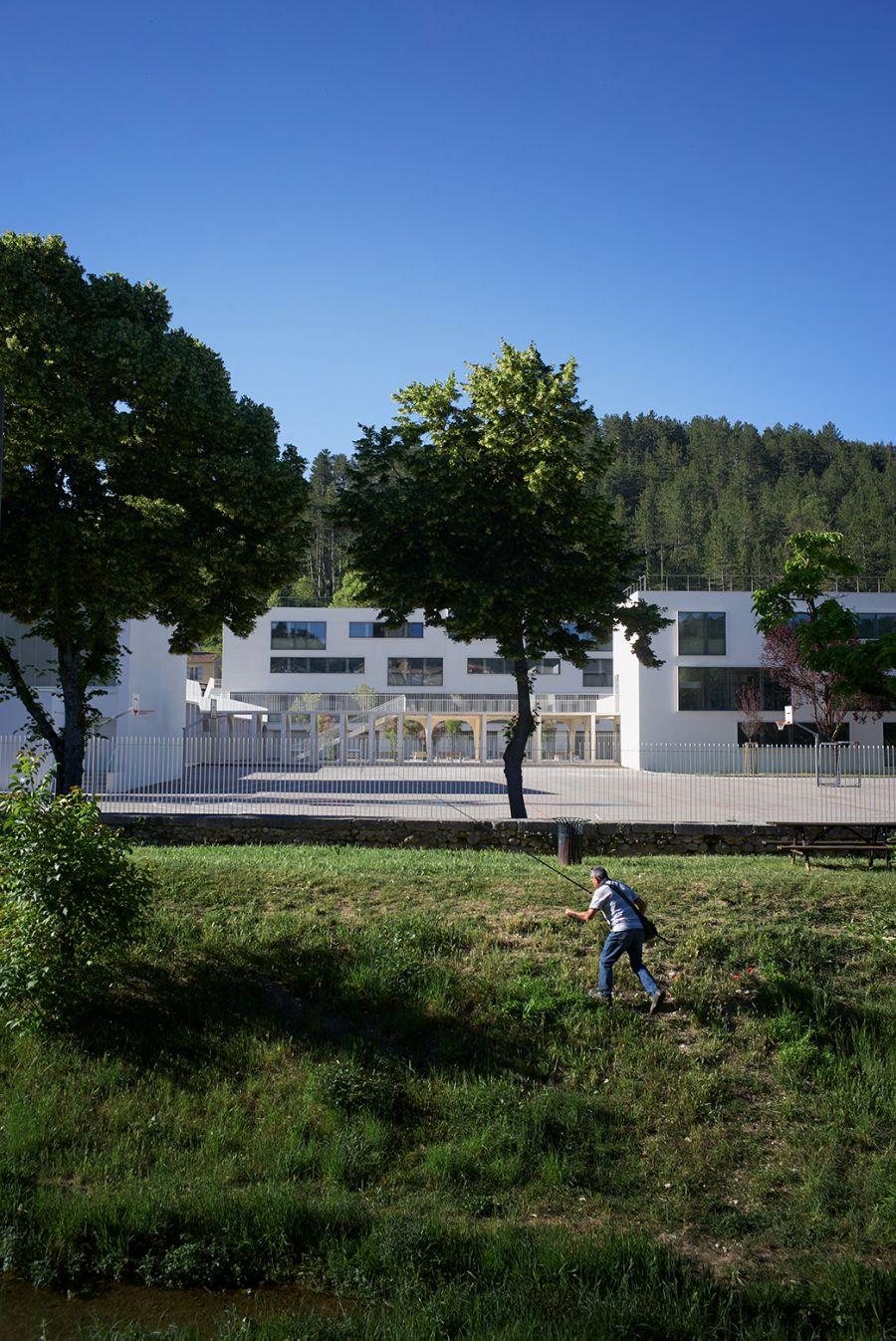 Collège Maxime Javelly - Arch. Céline Teddé & Jérôme Apack - Photo : Julien Lanoo