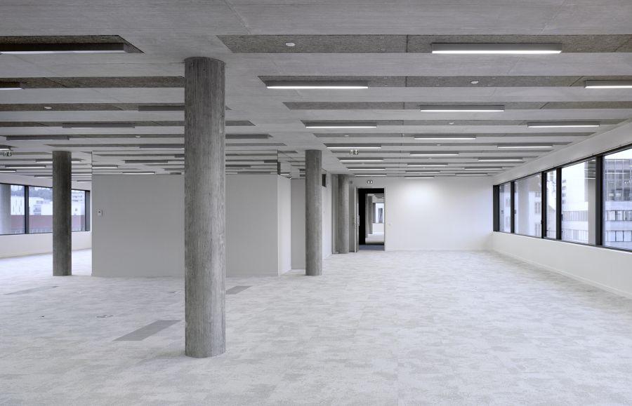 Immeuble de bureaux de l'îlot A3 à Lyon Confluence - Arch. Christian Kerez - Photo : Maxime Delvaux