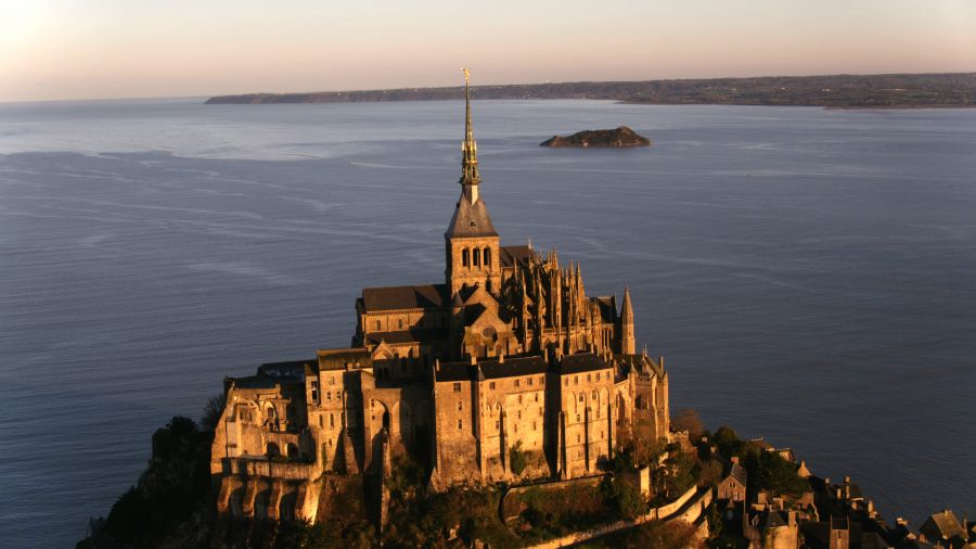 Épisode 2 : Mont Saint-Michel, France - Arte - Monuments sacrés
