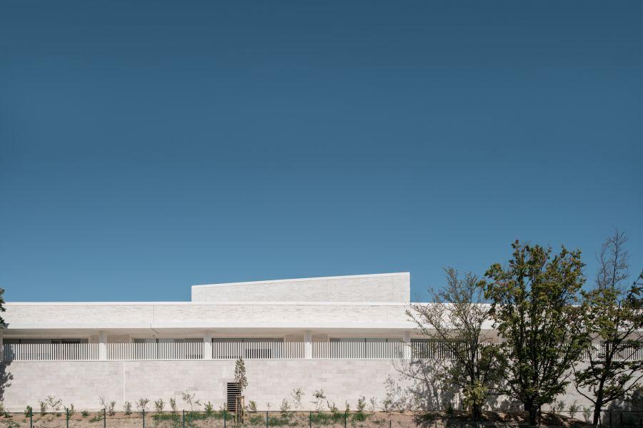 École Communale Jacqueline de Romilly - Arch.Atelier Fernandez & Serres architectes - Photo :  Stéphane Aboudaram / WE ARE CONTENT(S)