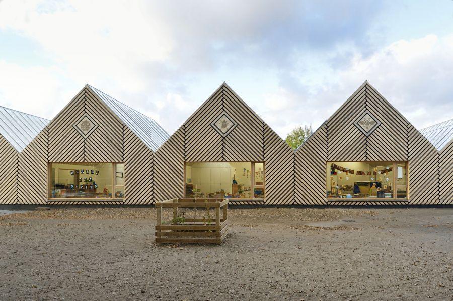 """École maternelle """"La Ruche"""" - Arch. Tracks Architecture - Guillaume Amat"""