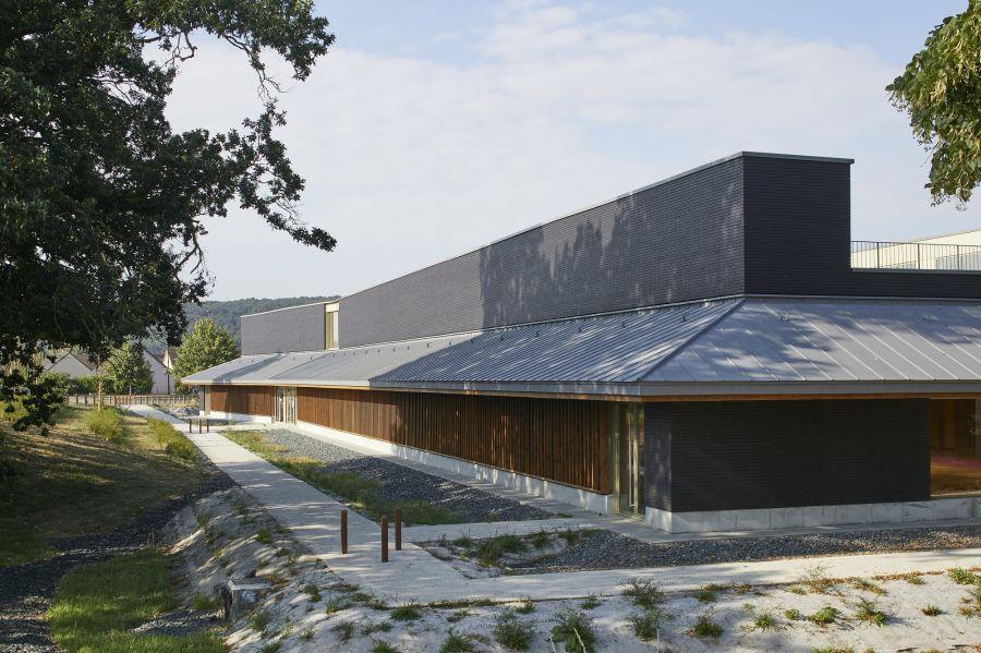 Complexe Sportif de la Villette - Arch. Atelier Féret et Frechon Architectes - Photo : Antoine Mercusot