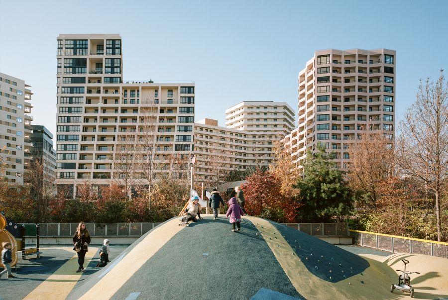 L'îlot culturel Lot O8 - Arch. TVK, Tolila+Gilliland - Photo : Julien Hourcade, Cyrille Weiner