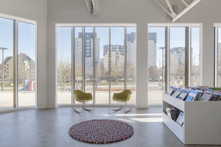 Centre socio-culturel Albert Schweitzer - Arch. MAO Architectes - Photo : Cyrille Lallement