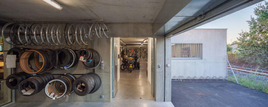 La tangente Workshop and Store - Arch. Atelier Ronan Prineau - Photo : François Dantart