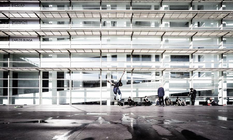 Skating © Luis Marina (CC BY 2.0)