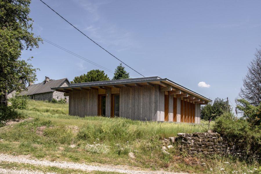 Maison en Corrèze - Arch. Atelier du Rouget Simon Teyssou et associés © Benoît Alazard