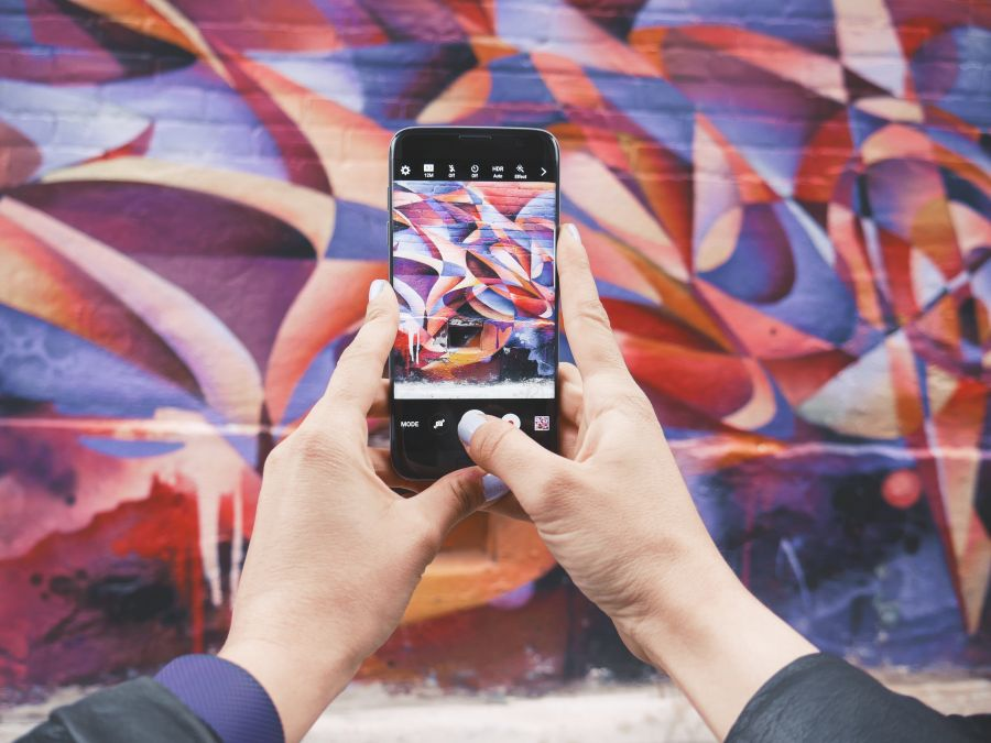 Street art wall picture © Patrick Tomasso via Unsplash