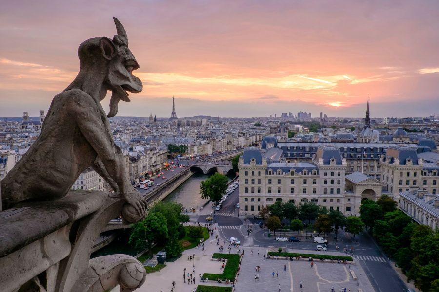 Vue de Paris depuis une gargouille, Cathédrale Notre-Dame de Paris, France © Pedro Lastra