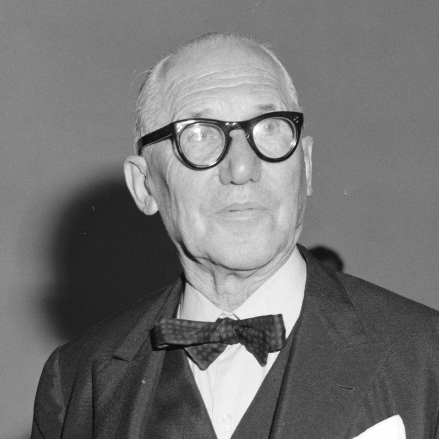 Le Corbusier (1964) - Photo Joop Van Bilsen / Anefo (CC-1.0 via commons.wikimedia.org)