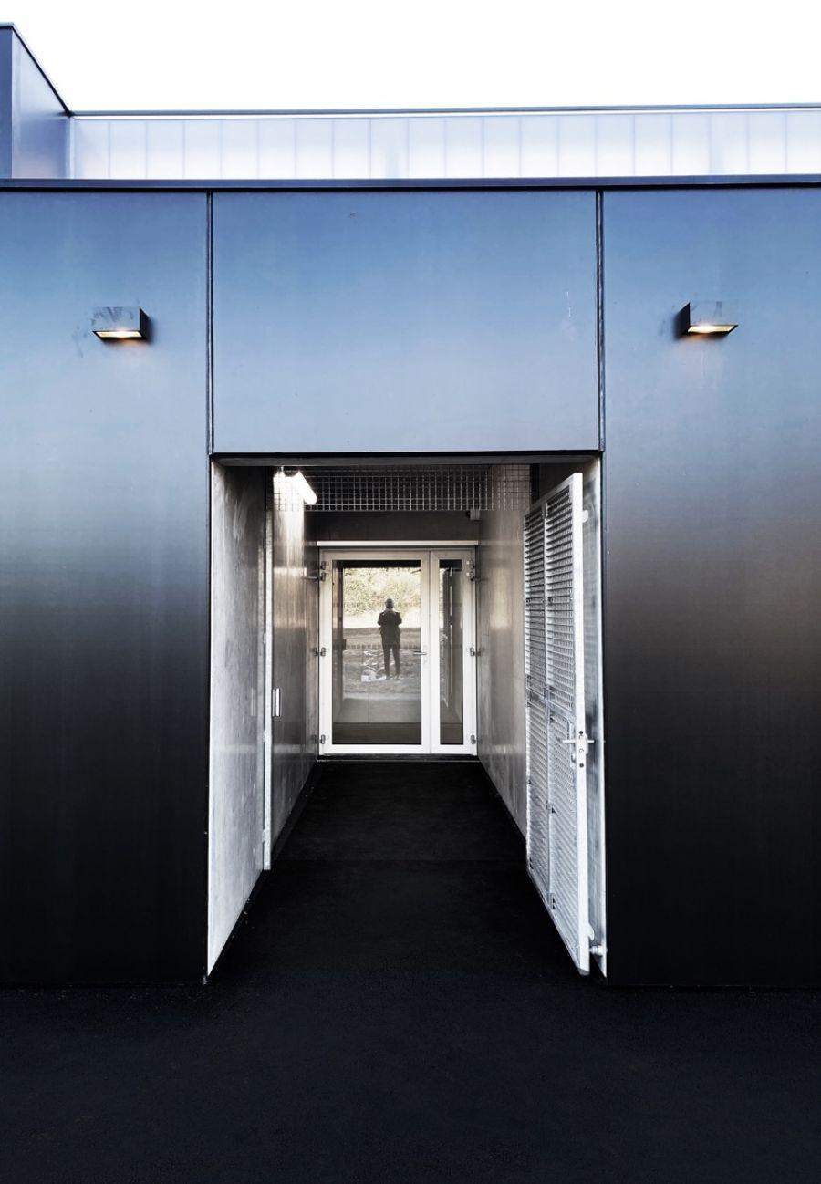 Tribunes et vestiaires du Stade Omnisports de Thouars - Arch. Thibaudeau Architecte & Tocrault & Dupuy Architectes © Thibaudeau Architecte