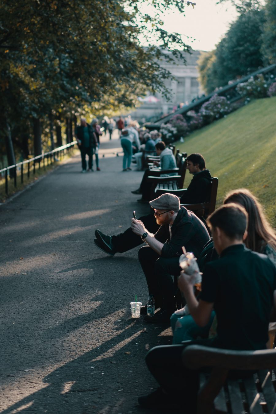People chill in the sun, in the heart of Edinburgh © Ross Sneddon