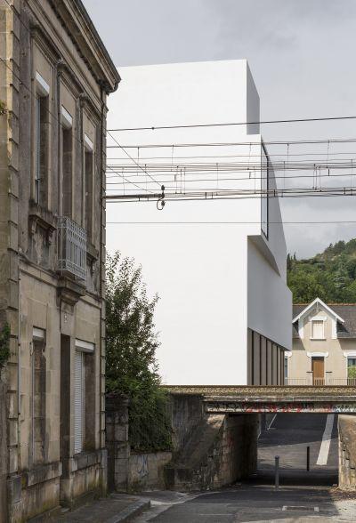 Auberge de jeunesse à Cahors - Arch. Antonio Virga Architecte - Photo : Luc Boegly