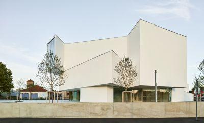Théâtre Théodore Gouvy - Arch. : Dominique Coulon & associés - Photo : Eugeni Pons, David Romero-Uzeda, Thibaut Muller