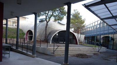 Les bulles d'Antii Lovag du collège de l'Estérel à Saint Raphaël - Photo : Philippe Arnassan