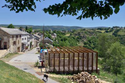 Requalification des espaces publics de Chaliers - Arch. Atelier du Rouget Simon Teyssou & associés - Photo : Benoît Alazard