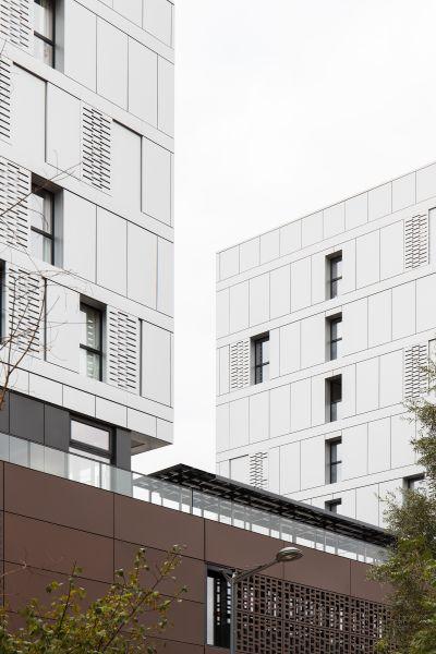 Campus du réseau Icônes  - Arch. LCR Architectes - Photo : Kevin Dolmaire