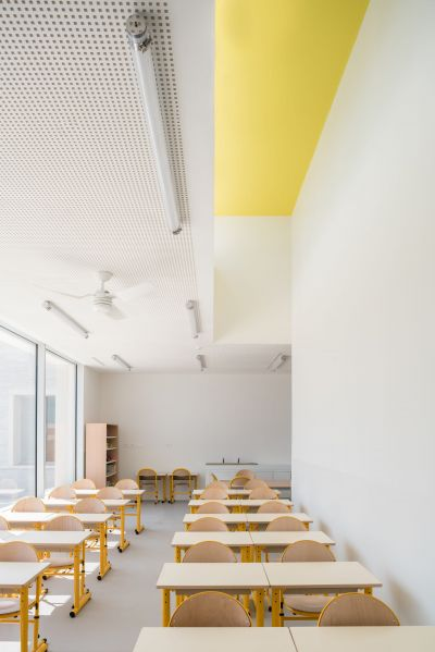 École Communale Jacqueline de Romilly - Arch.Atelier Fernandez & Serres architectes - Photo :  Stéphane Aboudaram / WE ARE CONTENT(S)
