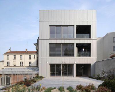 Hôtel de Ville de Le Pré Saint Gervais - Arch. Zoomfactor Architectes - Photo : Martin Argyroglo