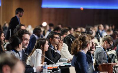 Réunion d'information des agents de liaison de la COP21 en salle pleinière Loire à Paris, Le Bourget - CC0 1.0