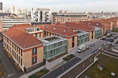 Adaptons les bâtiments devant accueillir les patients atteints du Covid 19! © CNOA, Frederic Gemonet