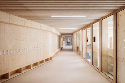 Ecole maternelle Vincent Auriol - Arch. LA Architectures © Charly Broyez