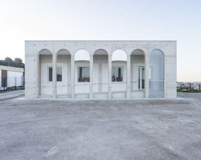 Capitainerie et Maison des pêcheurs de Saint Chamas - arch. OH!SOM architectes © Florence Vesval