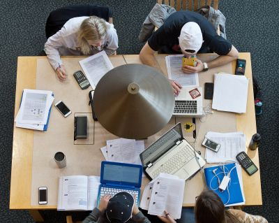 20175_students_studying_finals_127 © University of Minnesota Duluth (CC BY-ND 2.0)