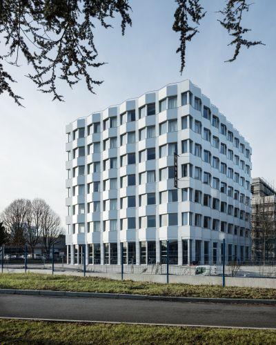 Hôtel à Massy - Arch.Lambert Lénack © Charly Broyez