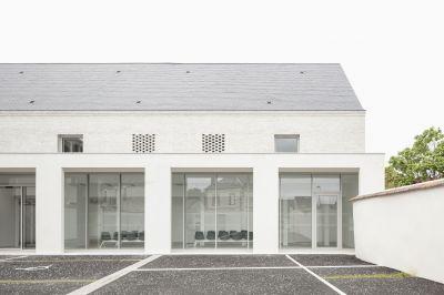 Maison de santé pluridisciplinaire à Toury - Arch. Oglo architectes © Schnepp Renou