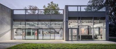 Salle de boxe Mohamed Ali à Savigny-le-Temple - Arch. Atelier Aconcept © 11h45