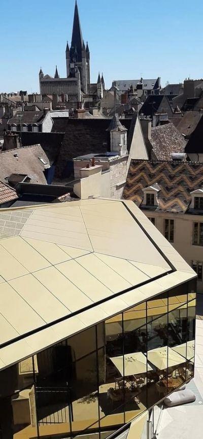 Reconversion de la Cour Bareuzai à Dijon - Arch. Chapman Taylor Architectes © Stéphane Rouillard