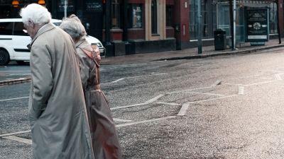 Couples à  Belfast, United Kingdom © Siarhei Plashchynski